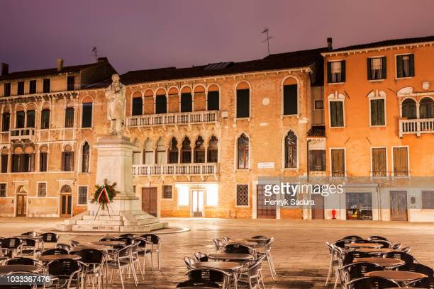 campo santo stefano in venice - campo santo stefano stock pictures, royalty-free photos & images
