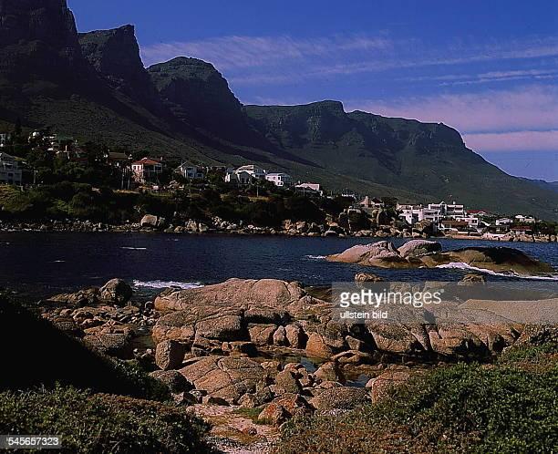 Camps Bay mit den `Zwölf Aposteln'auf der Kap-Halbinsel- 1993