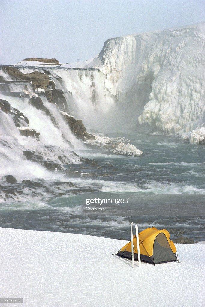 Campsite near the Fallfoss waterfall , Iceland : Stockfoto
