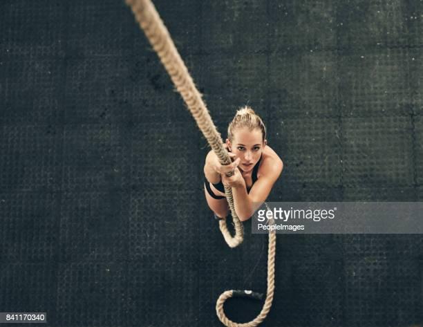 ich kann ganz nach oben klettern. - anstrengung stock-fotos und bilder