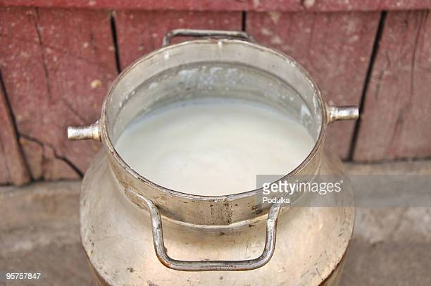 Can with fresh milk