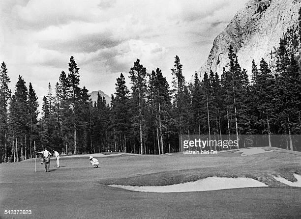 Canada Alberta Banff Golf course Photographer Felix H Man about 1933Vintage property of ullstein bild