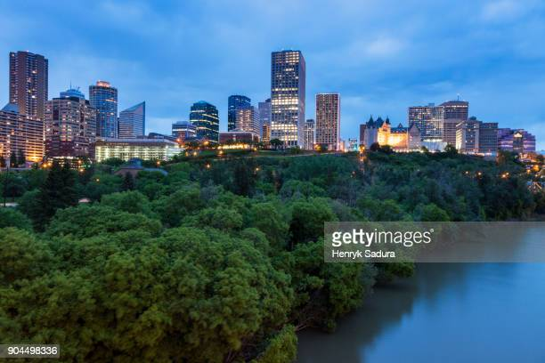 Canada, Alberta, Edmonton, Cityscape with trees and river
