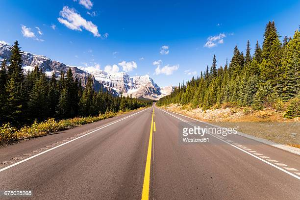 canada, alberta, icefield parkway - empty road stock pictures, royalty-free photos & images