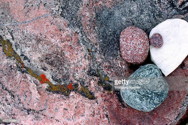 Canada Nwt Hudson Bay Coats Island Cape Pembroke Gneiss Rocks On Beach