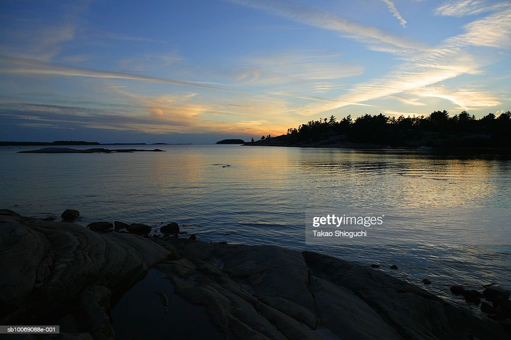 Canada, Ontario, Killbear Provincial Park, View of lake at dusk : Stockfoto