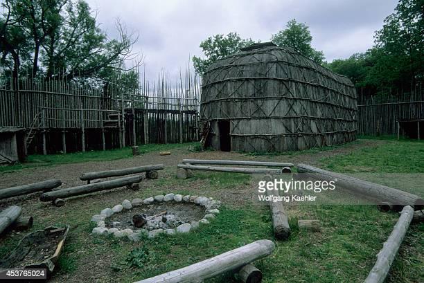 Canada Ontario Near Paris Kanata 17th C Iroquoian Village Long House