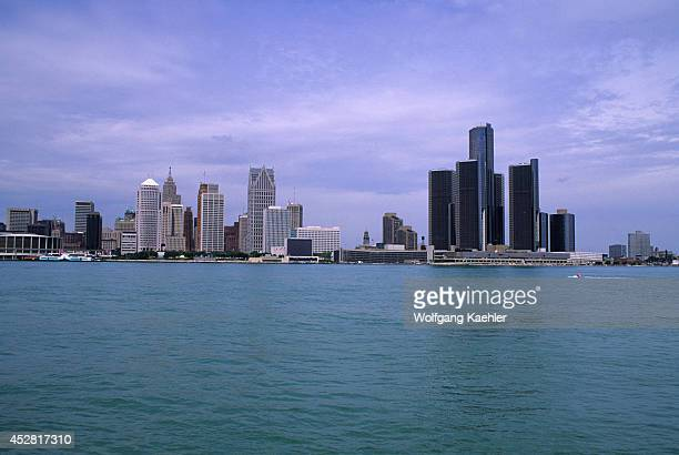 Canada, Ontario, Windsor, View Of Downtown Detroit.