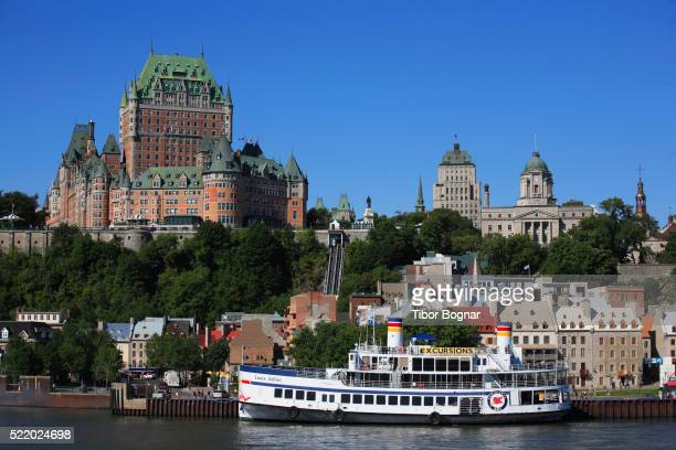 canada, quebec, quebec city, skyline, general view - chateau frontenac hotel stock pictures, royalty-free photos & images