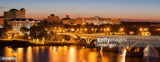 Canada, Saskatchewan, Saskatoon, University Bridge on South Saskatchewan River at dusk