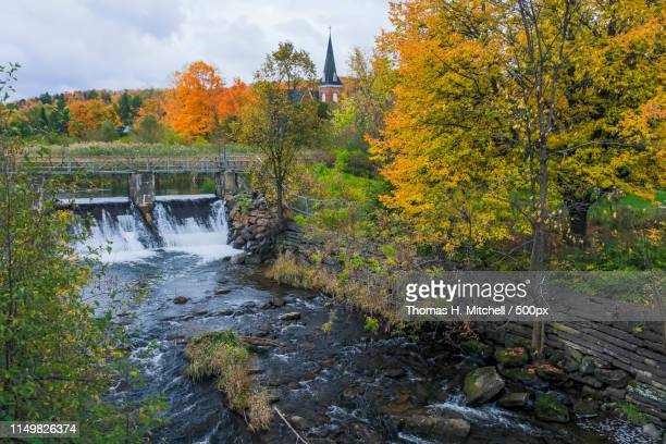 canada-quebec-eastern townships-knowlton-etang du moulin - brook mitchell stock pictures, royalty-free photos & images