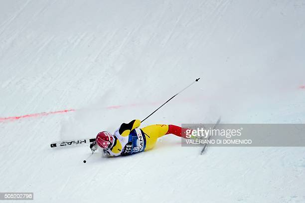 Canada's Benjamin Thomsen falls during the Alpine skiing FIS World Cup mens downhill event on January 16 2016 in Wengen AFP PHOTO / VALERIANO DI...
