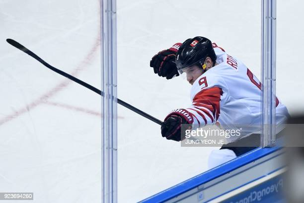 Canada's Derek Roy celebrates scoring in the men's bronze medal ice hockey match between the Czech Republic and Canada during the Pyeongchang 2018...