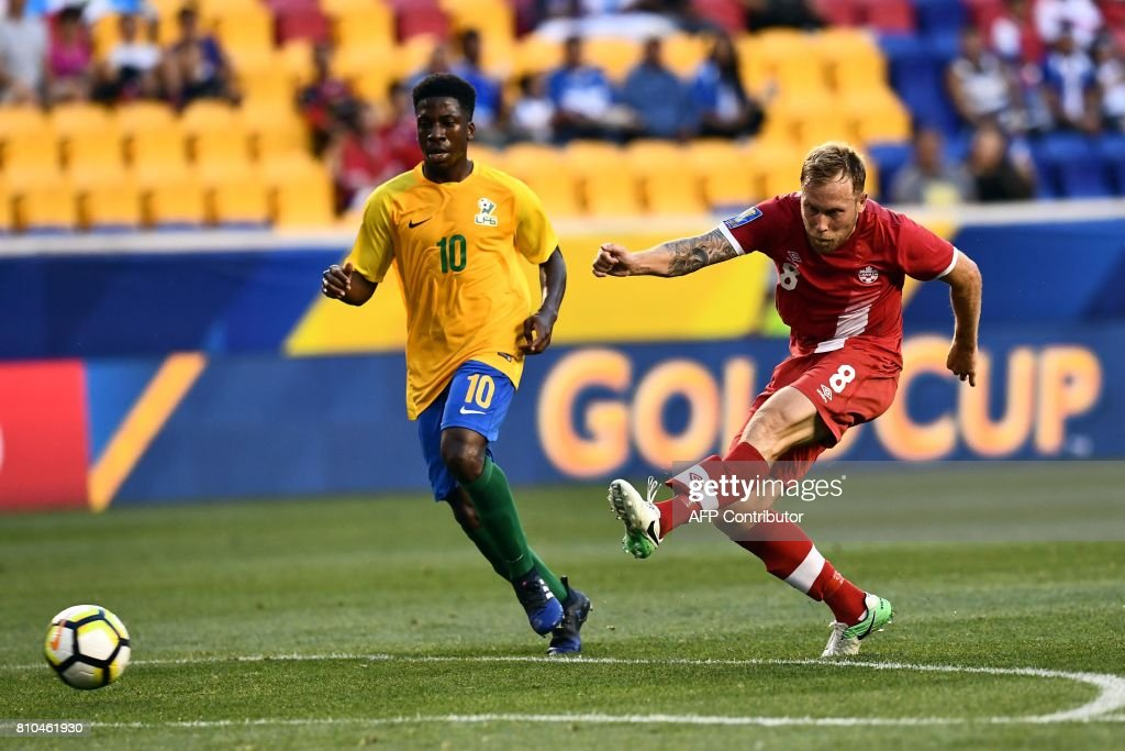 FBL-CONCACAF-GOLD CUP-2017-GUF-CAN : News Photo