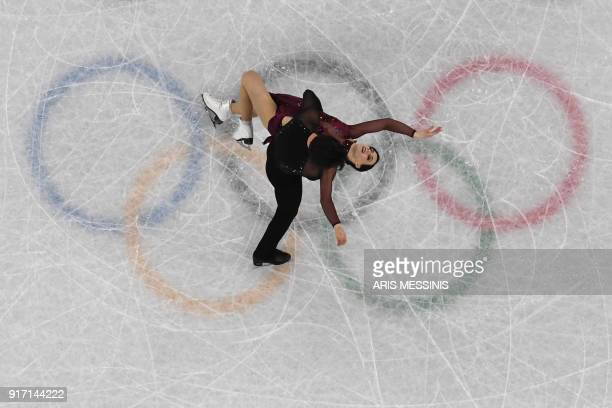 TOPSHOT Canada's Tessa Virtue and Canada's Scott Moir compete in the figure skating team event ice dance free dance during the Pyeongchang 2018...