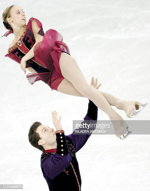 Canada's Valerie Marcoux and Craig Buntin perform during the Pairs Free Skating of the 2005 World Figure Skating Championships at the Luzhniki Sports...