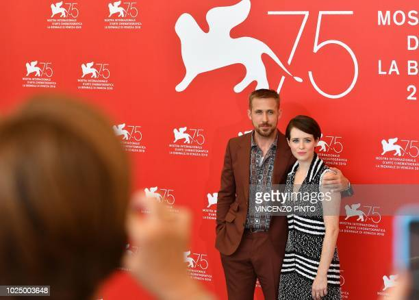 Canadian actor Ryan Gosling and British actress Claire Foy pose during a photocall for the film First Man on August 29 2018 prior to its premiere in...