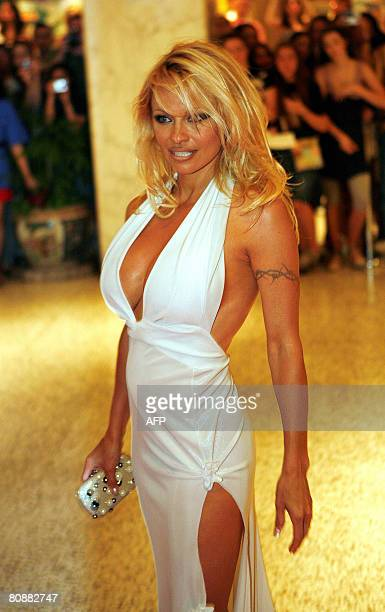 Canadian actress Pamela Anderson arrives at the White House Correspondents' Association dinner on April 26 2008 in Washington DC AFP PHOTO/Aude...