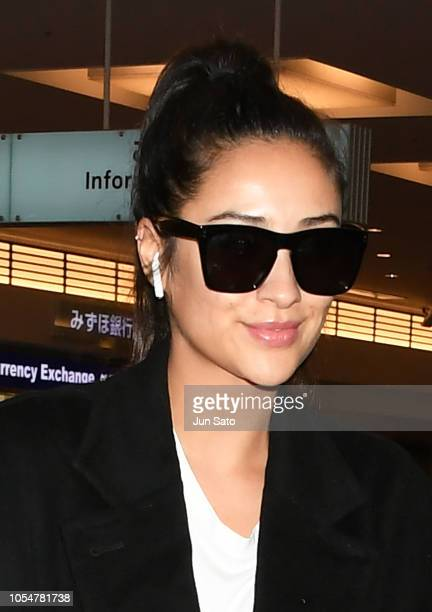 Canadian actress Shay Mitchell arrives at Haneda Airport on October 29 2018 in Tokyo Japan