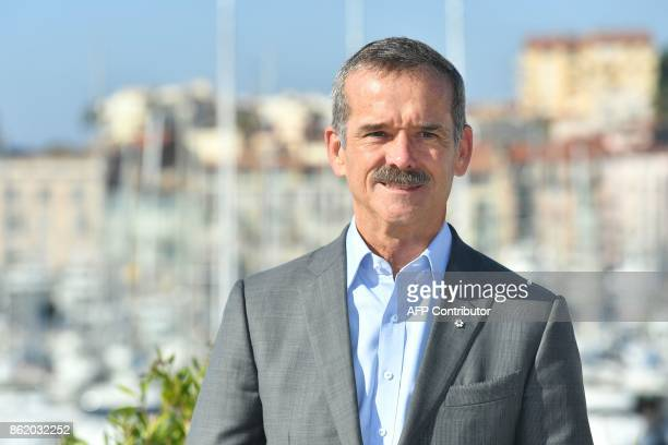Canadian astronaut Chris Hadfield poses during the MIPCOM trade show in Cannes southern France on October 16 2017 / AFP PHOTO / YANN COATSALIOU