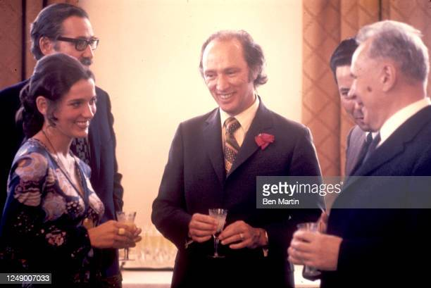 Canadian author, actress, photographer and activist Margaret Trudeau and Canadian politician Pierre Trudeau with Russian politician Alexei Kosygin in...
