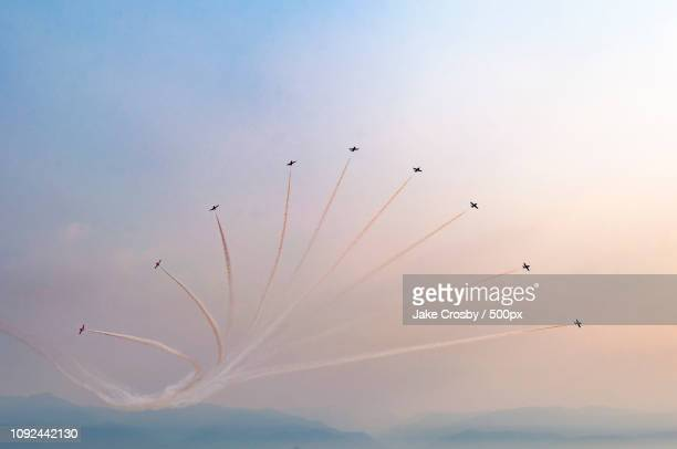 canadian forces snowbirds - canadian forces snowbirds stock pictures, royalty-free photos & images