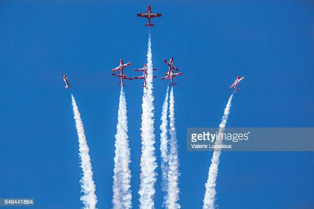 canadian forces snowbirds - canada day stock pictures, royalty-free photos & images