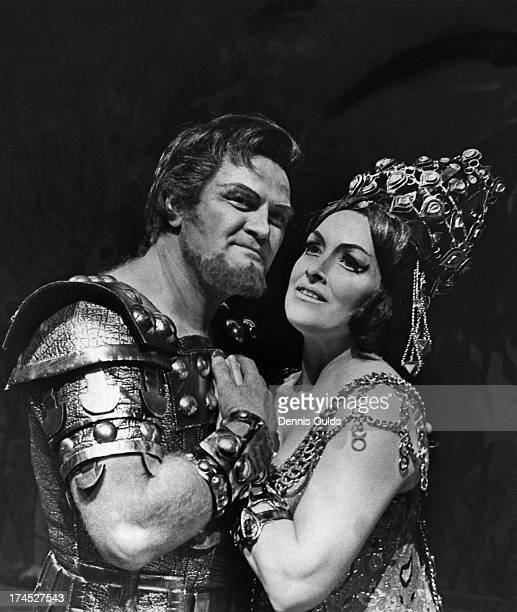 Canadian heldentenor Jon Vickers as 'Aeneas' and British mezzosoprano Josephine Veasey as 'Dido' rehearse a scene from 'Les Troyens' at the Royal...