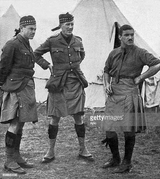 Canadian highlanders officers trained in english camp in Salisbury c 1914
