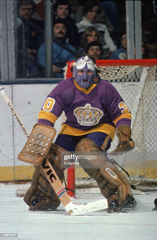 Rogie Vachon Guards The Net : News Photo