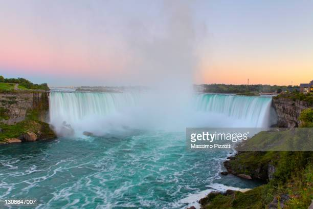 canadian horseshoe niagara falls - massimo pizzotti foto e immagini stock