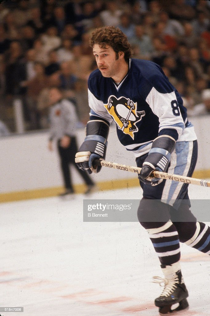 the latest 83abd ffb1f Canadian ice hockey player Dave Schultz of the Pittsburgh ...