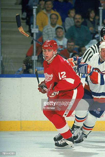 Canadian ice hockey player Mike Sillinger of the Detroit Red Wings on the ice during a game against the New York Islanders, Uniondale, New York,...