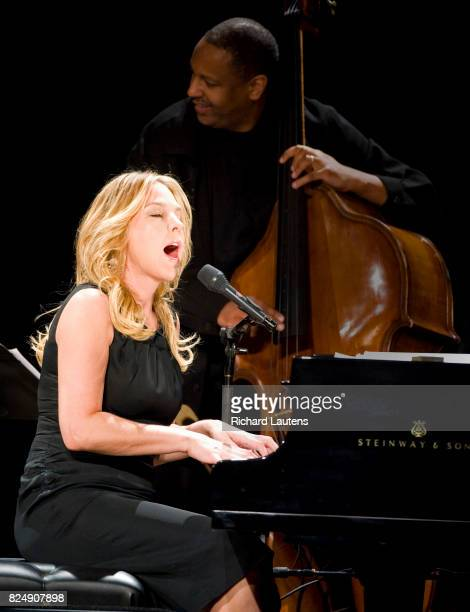 30/04/09 Canadian Jazz star Diana Krall performed live tonight at Massey Hall This is her first public Toronto show in about 4 years