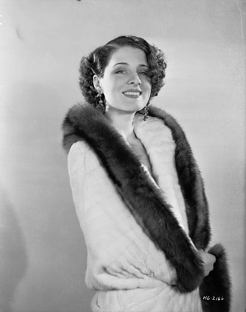 canadian-movie-star-norma-shearer-wearin