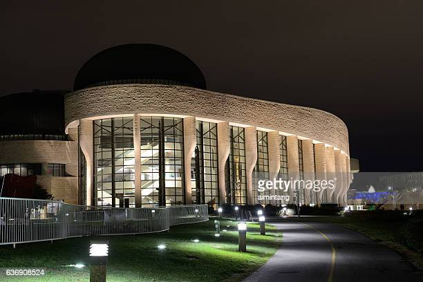 canadian museum of history at night - gatineau stock pictures, royalty-free photos & images