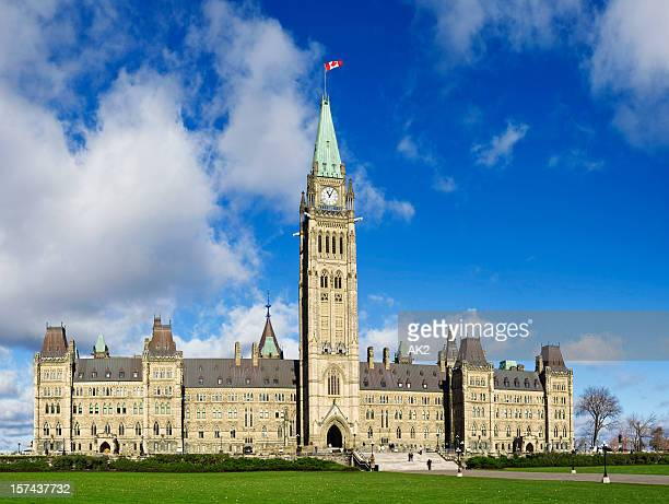canadian parliament in ottawa - tower stock pictures, royalty-free photos & images