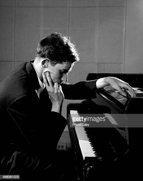 a biography of daniel wnukowski a canadian pianist Amazon music unlimited prime music cds & vinilos tienda de música digital ajustes prime music cds & vinilos tienda de música digital ajustes.