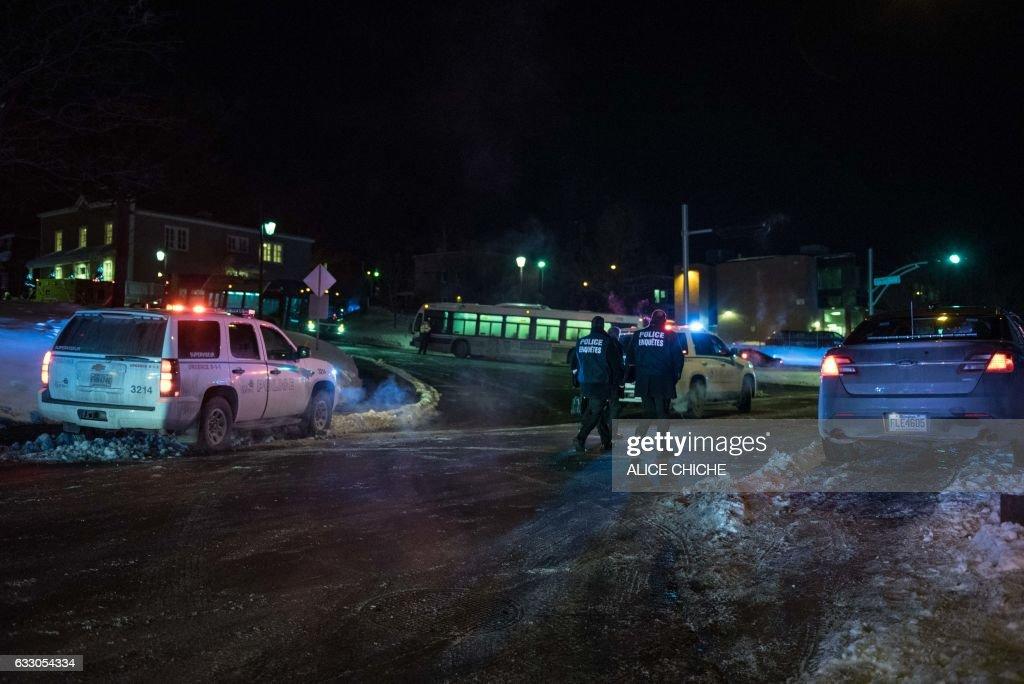 CANADA-SHOOTING-MOSQUE : Fotografía de noticias