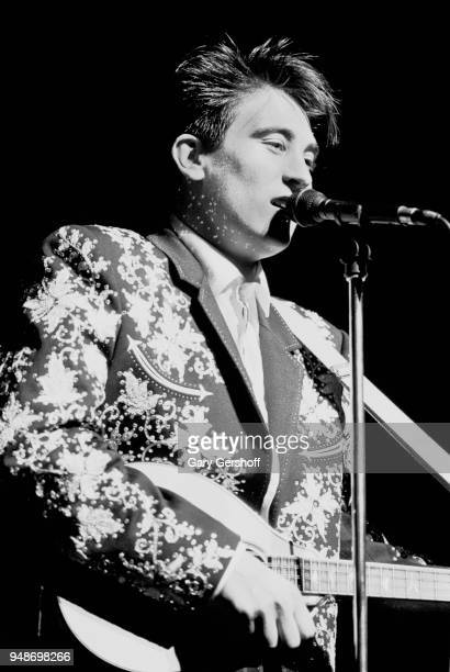 Canadian Pop and Country musician kd lang performs onstage at the Beacon Theatre New York New York August 11 1989