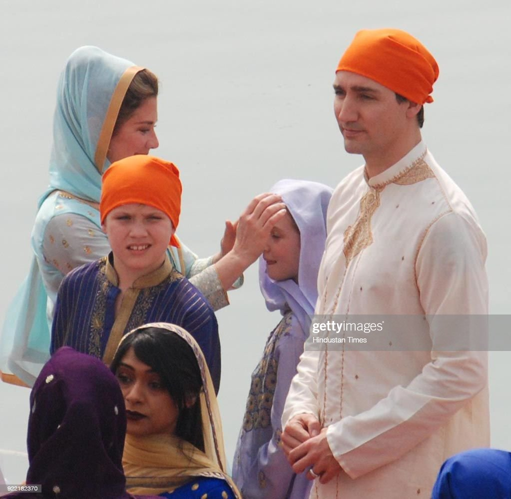 Canadian Prime Minister Justin Trudeau, Family Pay Obeisance At Golden Temple : ニュース写真