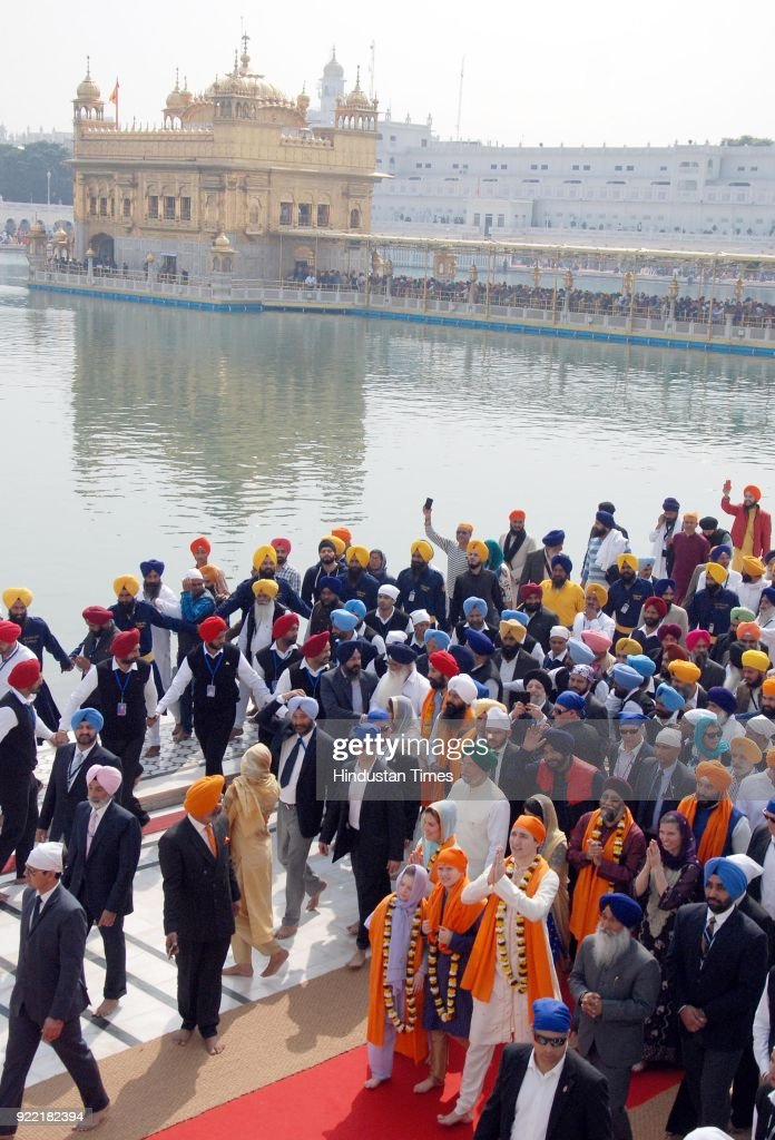 Canadian Prime Minister Justin Trudeau, Family Pay Obeisance At Golden Temple