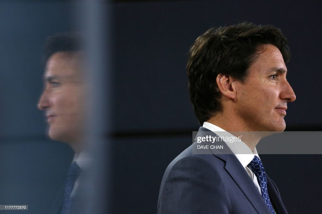 TOPSHOT-CANADA-VOTE-TRUDEAU : News Photo