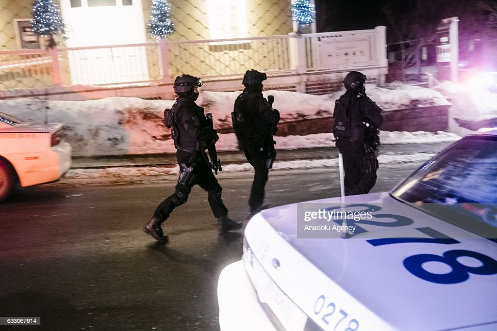 Canadian security forces patrol after a shooting in the Islamic Cultural Centre of Quebec in Quebec city on January 29, 2017. Five people are dead and a number of others wounded in a shooting at a mosque in Quebec City, the facility's president told media late Sunday.