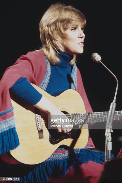 Canadian singer and musician Anne Murray performs on BBC Top Of The Pops TV show London on 29th March 1972