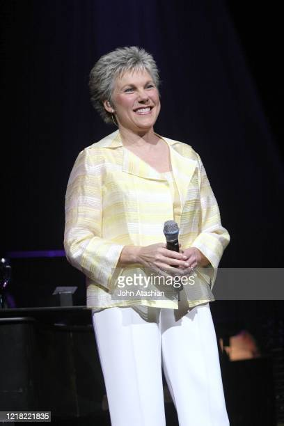 """Canadian singer Anne Murray is shown performing on stage during a """"live"""" concert appearance on November 26, 2004."""