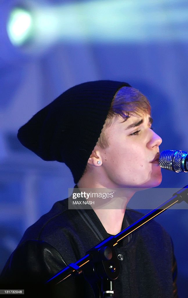 Canadian singer Justin Bieber sings at t Pictures | Getty Images