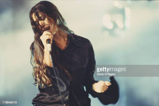 Canadian singersongwriter Alanis Morissette performing on stage circa 1995