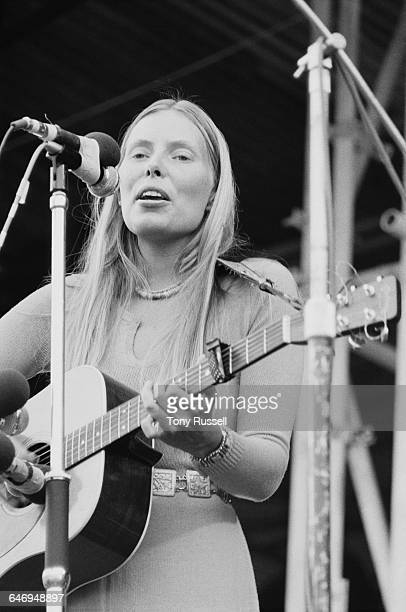Canadian singersongwriter Joni Mitchell performing at the Isle Of Wight Festival Afton Down Isle Of Wight 29th August 1970