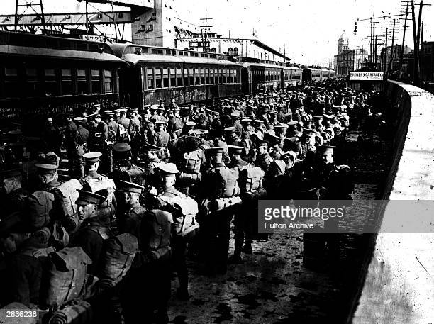 Canadian soldiers leave for the front